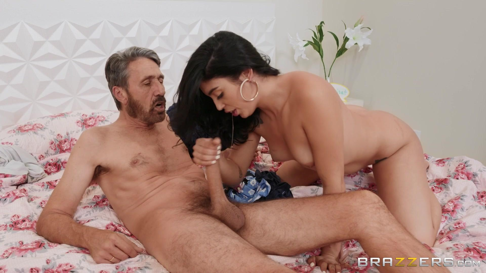 Brazzers Exxtra – Vanessa Sky Anal About Chores